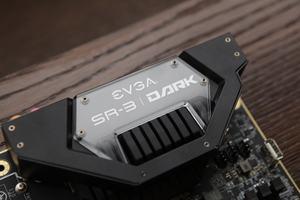 EVGA SR-3 Dark