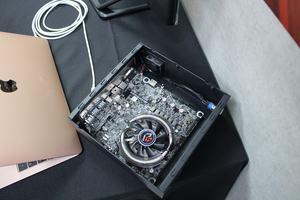 ASRock zeigt RX570TM-ITX/TBT