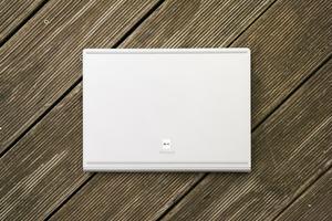 Hinter der Bodenplatte versteckt das Microsoft Surface Book 2 ab der zweitkleinsten Konfiguration eine NVIDIA GeForce GTX 1050