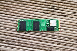 Intel SSD 660p