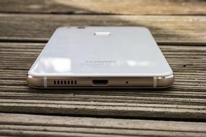 USB Typ-C bietet das P10 lite nicht, laut Huawei für die Zielgruppe nicht wichtig