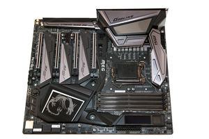 Das MSI MEG Z390 Godlike im E-ATX-Format in der Übersicht.